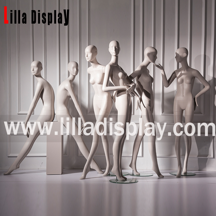 Lilladisplay-High fashion store Maxmara use realistic female manenquins 193cm height collection Chloe